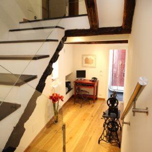 5- Living Suite